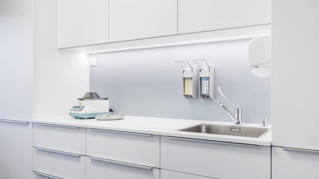 Labor Möbelgestaltung und Innenarchitektur für Praxis Dr. Neukirch