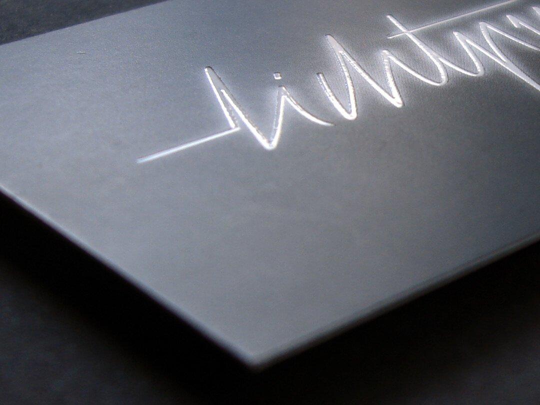 lichtpuls Visitenkarte mit partieller UV-Lackierung