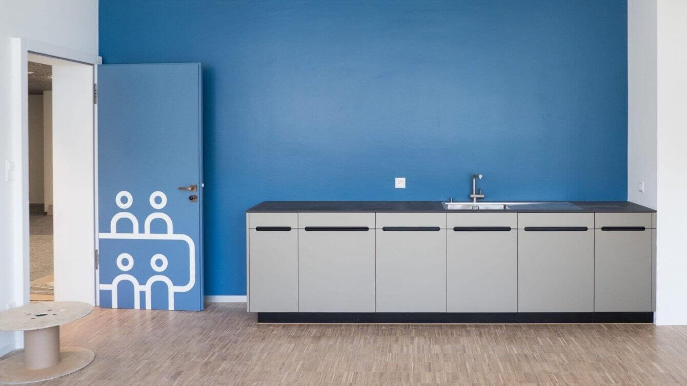 qubus29 Innenarchitektur Küchenzeile in Aufenthaltsräumen