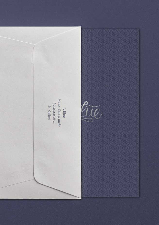 's Blue Einladung im Umschlag mit Blindprägung und Heißfolienprägung